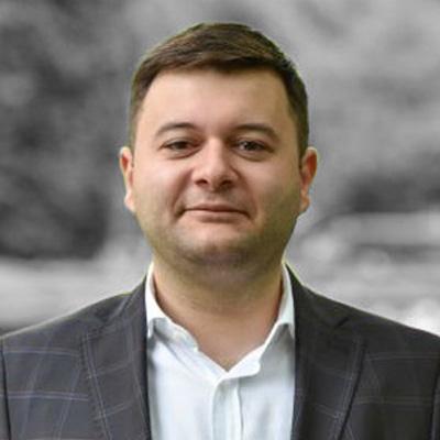 Vlad Ghizdovăț